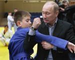 مبارزه پوتین با یک دانش آموز! + عکس