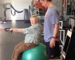 تصاویری از مادربزرگ 97 ساله پرورش اندام کار!