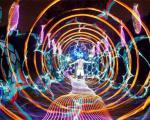 نقاشی با بازی نورهای رنگی+تصاویر