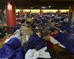 اسکان پناهجویان آسیایی در اماکن عمومی کشورهای اروپایی(+عکس)