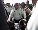 (تصویر) فرمانده ناجا سوار بر موتورسیکلت