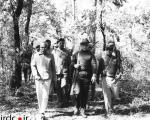 محمدرضا پهلوی هنگام شکار در هندوستان