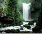 نوژيان ، آبشار و تفرجگاهي در قله تاف