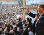 مرسی وضعیت فوق العاده اعلام کرد/ دعوت از ۱۱ حزب سیاسی برای گفتگو