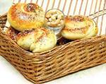 طرز تهیه نان بادام زمینی
