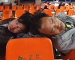 از همه چی میشه گذشت، جز خواب! +عکس