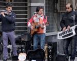 نوازندگان خیابانی را هم در نظر آورید!