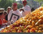 بزرگترین سالاد میوه جهان گینسی شد