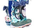 کفش های آلیس در سرزمین عجایب
