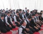 آیا در نماز جماعت می توان به امام جماعت غیر روحانی اقتدا کرد؟