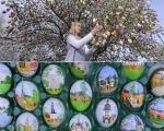 عجیب ترین تزئینات درخت؛ از درخت تخممرغ تا... +عکس