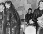 حراج اولین قرارداد رسمی گروه بیتلز +عکس