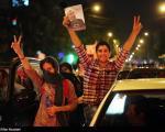 عکس: شادی مردم پس از پیروزی روحانی (2)