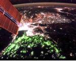 تصاویر ماهوارهای ناسا از رنگ مرموز پایتخت تایلند/ نور لامپهای ماهیگیری یا زباله های هستهای