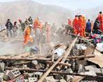 نجات ۹۰۰ نفر از زیر آوارهای زلزله چین