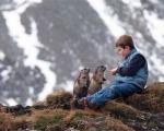 دوستی سنجابهای کوههای آلپ با پسربچه اتریشی+ عکس