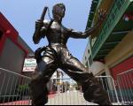 مجسمههای جالبی از «بروس لی»