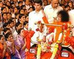 ساتیا سای بابای ۵ میلیارد پوندی، جادوگر یا معجزه گر؟