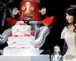 ژاپنیها اولین مراسم ازدواج میان روباتها را برگزار کردند + (عکس)