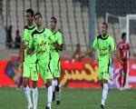 محمد نوری در دقیقه 15تك گل پرسپولیس را به ثمر رساند