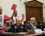 دستان خونین در کنگره آمریکا (+عکس)