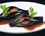 تزیین بادمجان شکم پر برای غذاهای ژاپنی