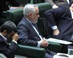دولت برنامه ندارد/ برخورد دولت با معضلات اقتصادی هیاتی است/حسینی ضعیفترین وزیر اقتصاد تاریخ ایران است