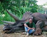 حمله وسیع در شبکههای اجتماعی به استیون اسپیلبرگ برای قتل یک دایناسور!