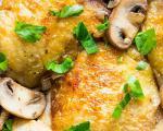 طرز تهیه ران مرغ سوخاری با سس قارچ و پیاز