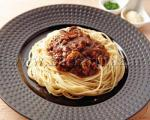 اسپاگتی با گوشت و سس قارچ