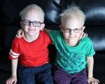 دو برادر که قبل از ۶ سالگی دندانهایشان مصنوعی شد/مرگ در گرما یا سرمای شدید