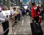 بازگشت ملی پوشان فوتبال به کشور(+گزارش تصویری)