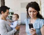 استفاده مادر و پدر از وسایل تفریحی در مقابل بچه