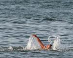 ابداع لباس شنایی که آب را تمیز میکند