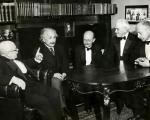 آیا نظریه معروف اینیشتین باید تغییر کند؟