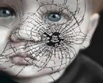 انگلستان زن جوانی را به حیوان تشبیه کرد/کودک 3 ساله عروسک جنسی مردان بیمار