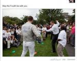 شمشیربازی باراک اوباما و خود شیرینی موسس فیس بوک! +عکس
