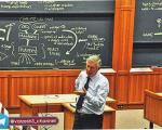 عکس: تدریس فرگوسن در دانشگاه هاروارد
