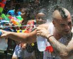 عید جالب آب پاشی در تایلند! + عکس