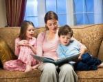 چگونه كودكانمان را با كتابخواندن مأنوس كنیم