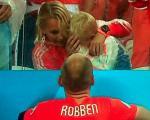 گریه فرزند روبن پس از باخت هلند +عکس