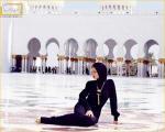 اخراج ریحانا از مسجد ابوظبی + عكس