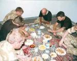 تصاویر دیده نشده از خفت سربازان انگلیسی دستگیر شده