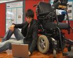 امکان حرکت صندلی چرخدار با قدرت ذهن/ ناوبری با یک مغز رباتیک