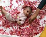 مراسم گل غلتان نوزادان در دامغان و سمنان