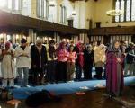 نماز مختلط با امام جماعت زن! +عکس