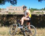 تصویری جالب از دوچرخه سواری دروازه بان رئال مادرید