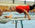 عکس پیرزن 86 ساله ژیمناستیک!