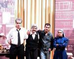 عکس یادگاری شهاب حسینی و سه بازیگر دیگر در دکور نمایش «ملاقات»