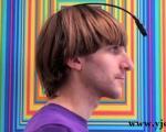 نقاشی که رنگ ها را با آنتن تشخیص می دهد +عکس